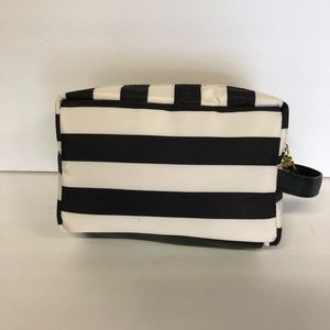 Betsey Johnson Bags - Betsey Johnson | zipper pouch CCO